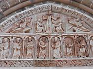 ユーラシア旅行社の南西フランスツアー、コロンジュ・ラ・ルージュ聖ピエール教会のタンパン「キリストの昇天」